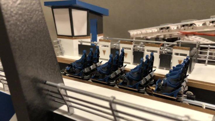 国外网友自己在家3D打印1:35高仿真过山车